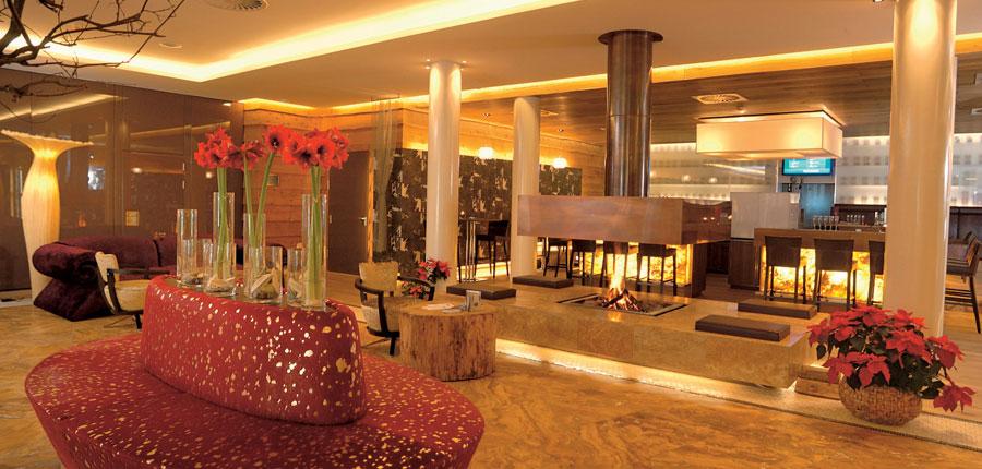 Austria_Hinterglemm_Hotel-Alpine-Palace_Bar.jpg